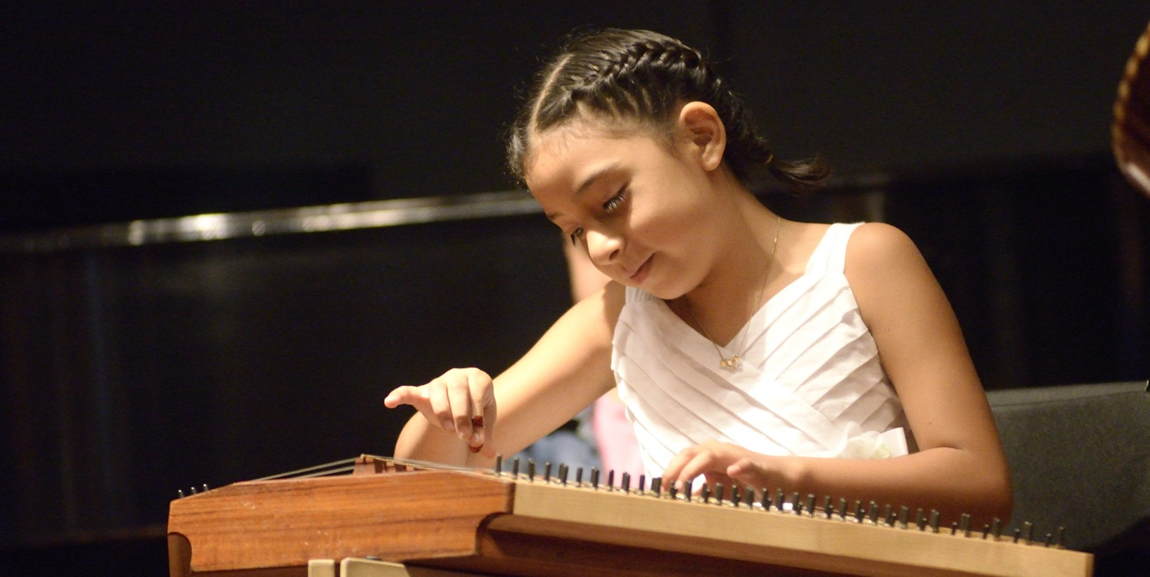 Young Performer at 5th Festival of Salterio